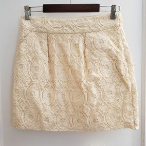 NEW   Beth Bowley   4 lace skirt with pockets